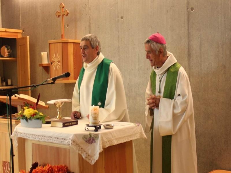 Célébration de la messe par Mgr Lovey