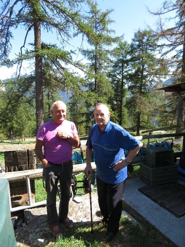 Deux hommes au Col des Planches